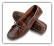 Minnetonka Moccasin Women's Dark Brown Lariat Kilty Driving Moccasin